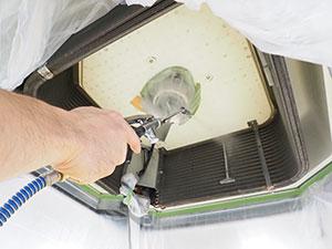 エアコン内部を高圧洗浄